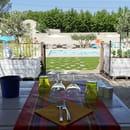 Mcafé Monplaisir  - Terrasse avec piscine -