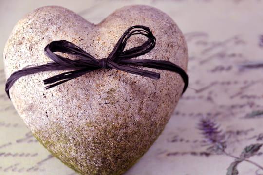 Message d'amour: SMS, poèmes et lettres mignons pour elle ou pour lui