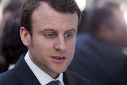 """""""Prostituée"""", """"gai et gentil""""... Drôle deretour enscène pour Emmanuel Macron"""