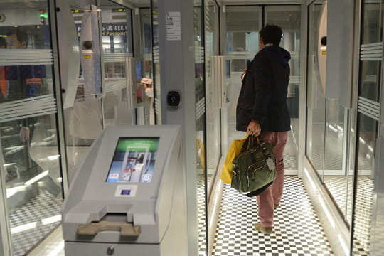 PARAFE: comment gagner du temps à l'aéroport avec son passeport