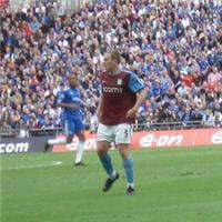 richard dunne est le capitaine de la sélection irlandaise et de son club, aston