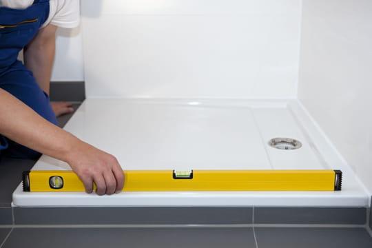 Receveur de douche extra-plat: comment l'installer