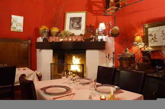 Restaurant : Château L'Hermitage de Combas  - Salle du restaurant -   © charming chateau