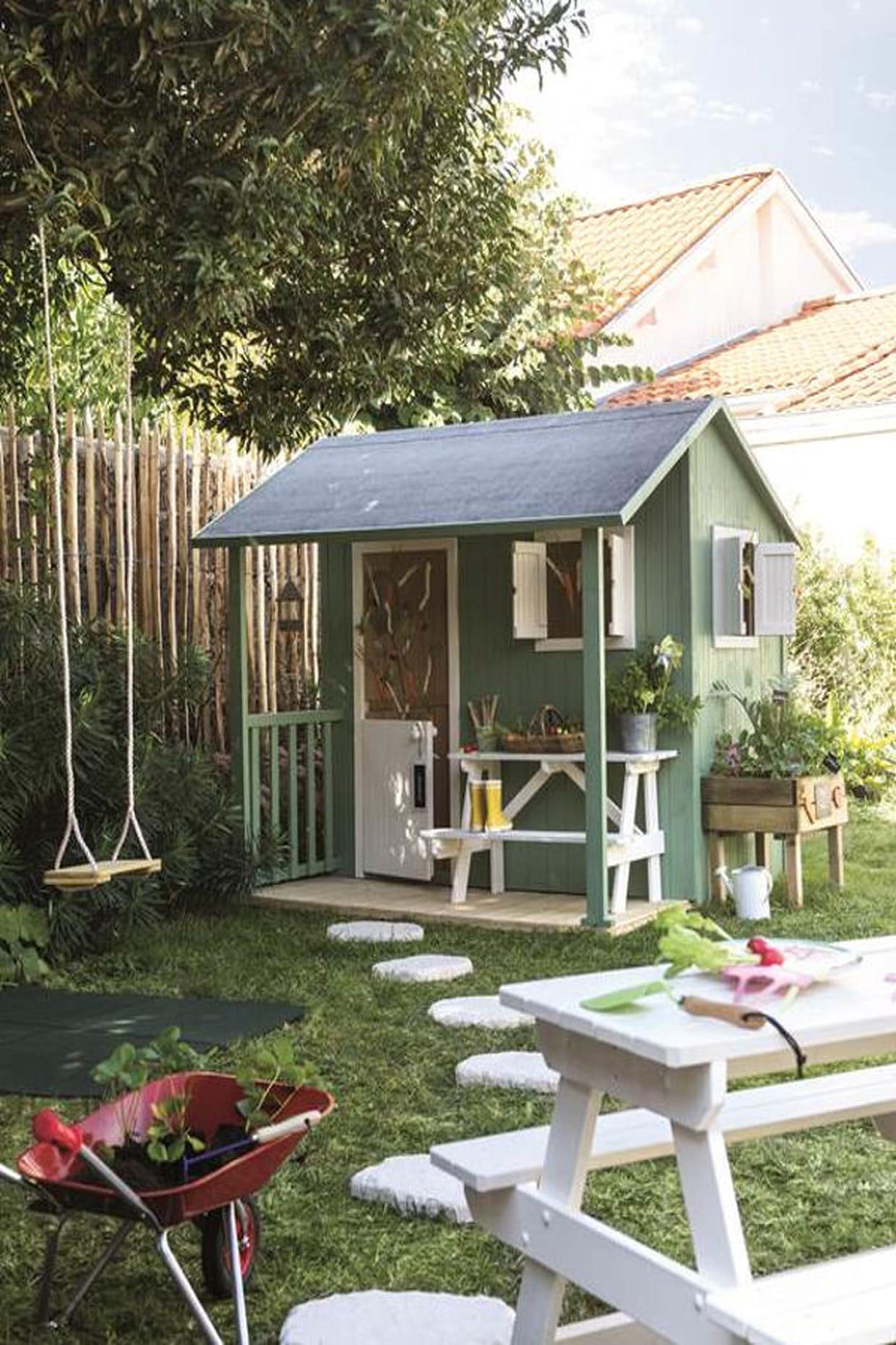 Une cabane miniature - Maison de jardin pour enfant ...