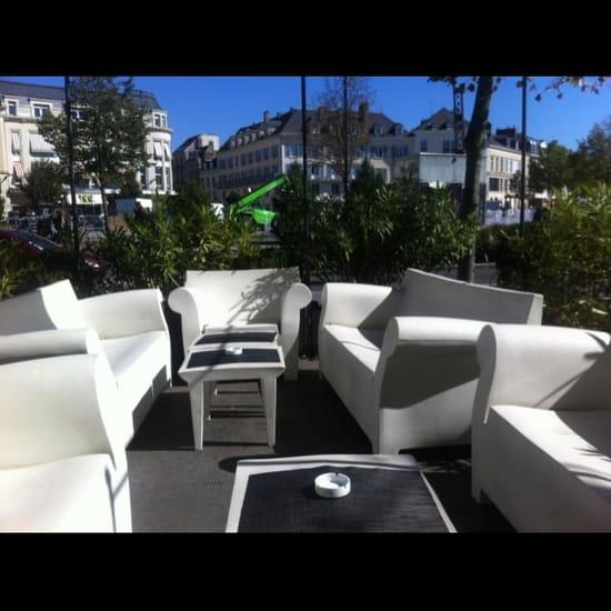 Entrée : Le Grand Monarque Hôtel &  Spa  - La terrasse place des épars  -