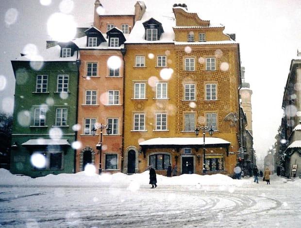 Varsovie sous la neige - Lappartement high tech high end varsovie ...