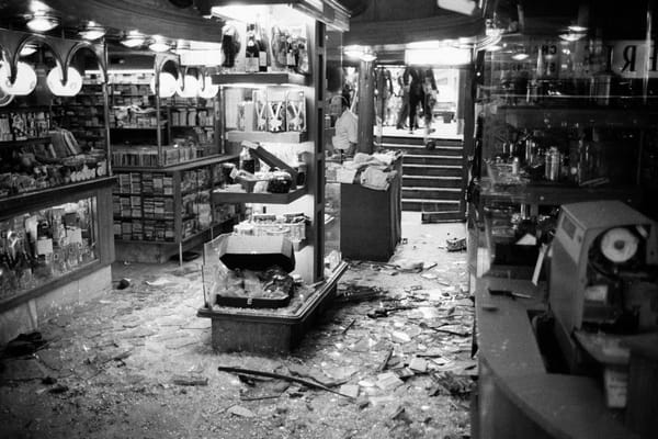Attentat à Paris, drugstore