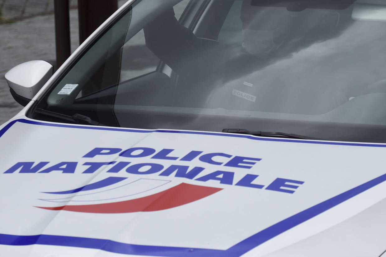 Deux policiers attaqués et blessés avec leurs propres armes — Val-d'Oise