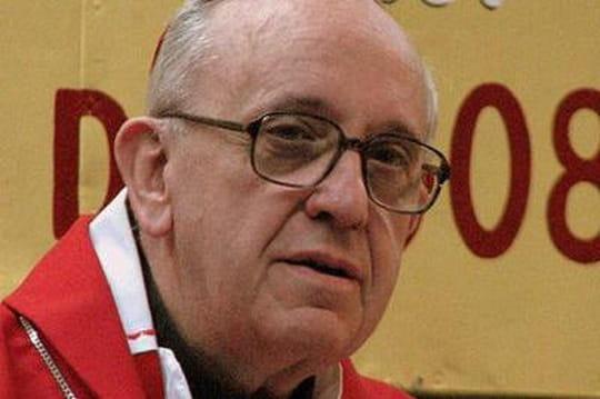 François: le pape qui refuse de rouler envoiture avecchauffeur