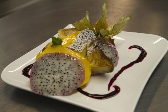 Brasserie le 7  - Mille-feuille de mangue et fruit du dragon brioche façon pain perdu -   © Jérôme Paressant
