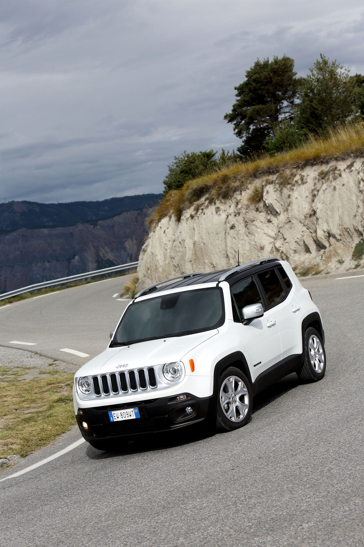 jeep renegade born in the usa. Black Bedroom Furniture Sets. Home Design Ideas