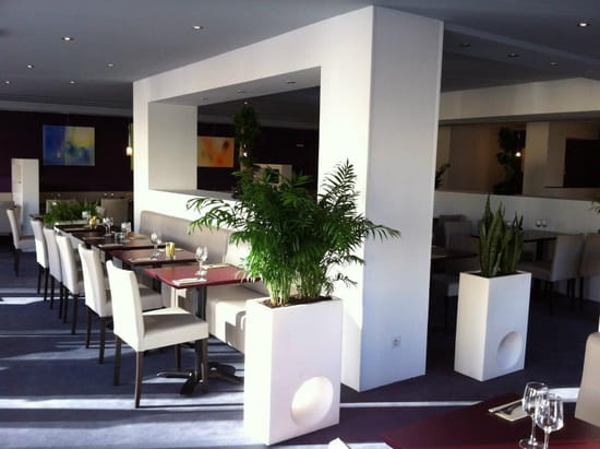 Brasserie restaurant le 9  - interieur -   © thierry jost