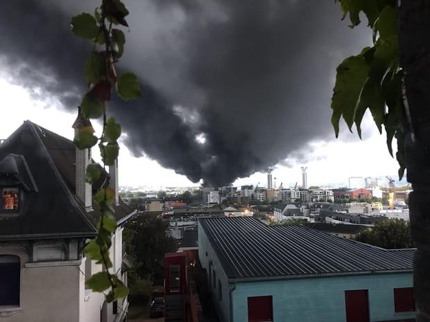 Les images de l'incendie de l'usine Lubrizol à Rouen