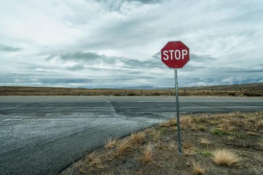 Radar de stop: fonctionnement, amende, points perdus