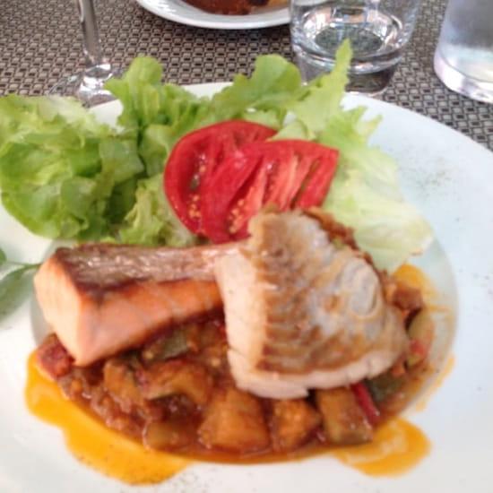 Plat : Au Moulin à Café  - Duo de saumon et lieu, légumes confits -