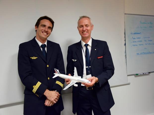 """On a testé """"le stage anti-stress""""d'Air France contre la peur de l'avion"""