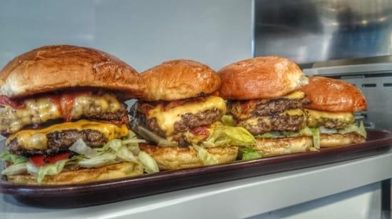 Son of a Bun Var  - Double BBQ Burger  -   © Ophelie