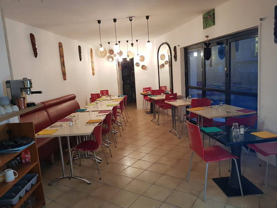 Restaurant : La Table de la Ressourcerie Créative  - Salle ! -   © Restaurant