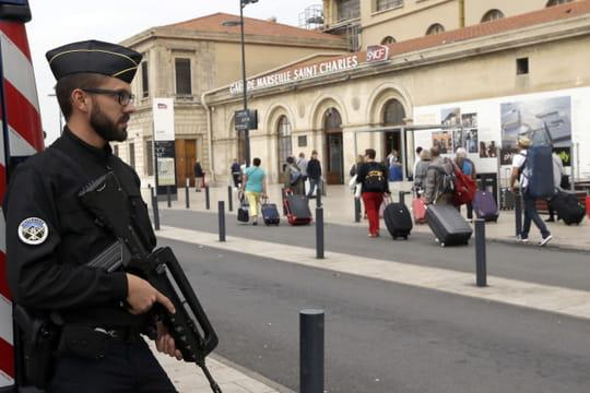 Attentat de Marseille: le frère du tueur, arrêté, était-il complice?