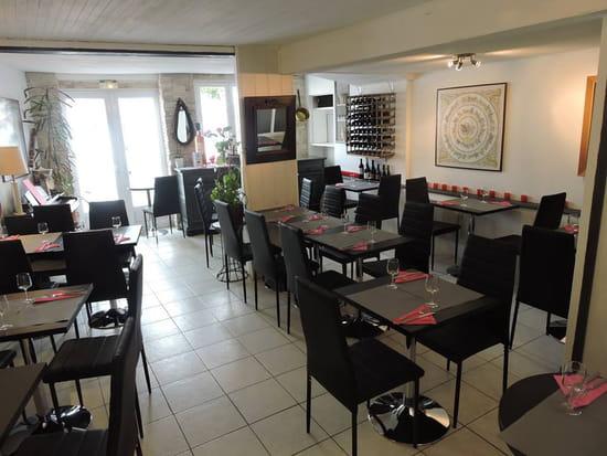 Restaurant : Entre Nous  - Salle du restaurant -   © SLPB22