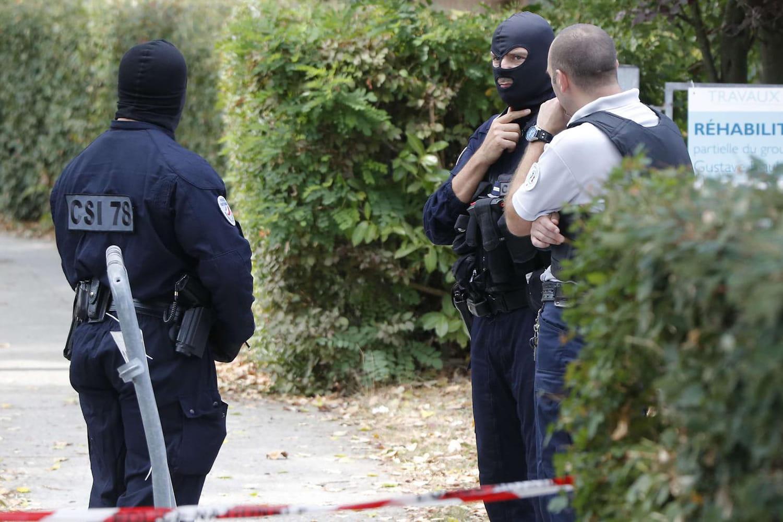 Attaque à Trappes: Kamel Salhi, un assaillant au profil intrigant