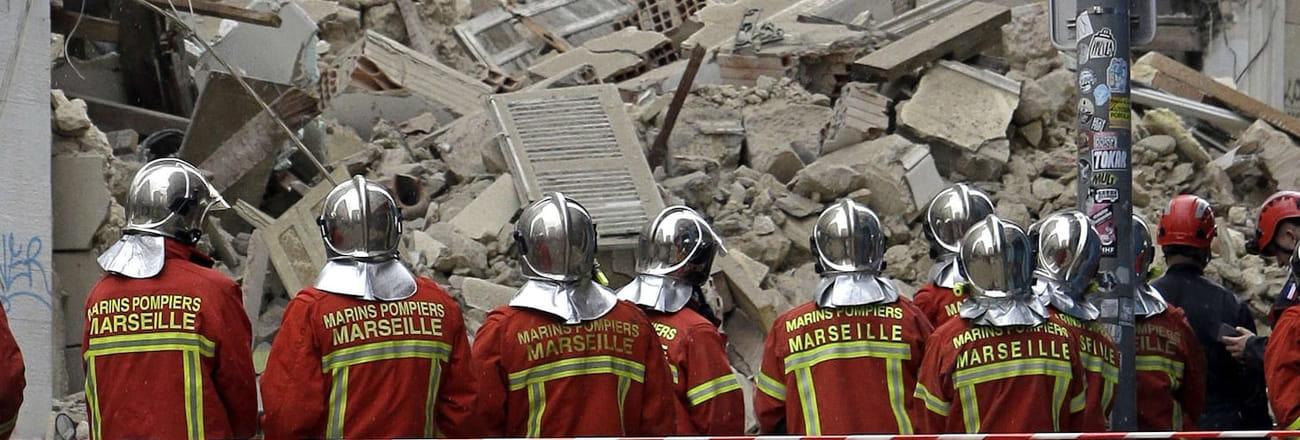 Les images choc des immeubles effondrés à Marseille