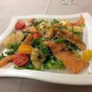 Entrée : Hostellerie du Cheval Blanc  - Salade Saumon Pamplemousse  -