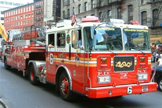 camion de pompier le plus rapide du monde. Black Bedroom Furniture Sets. Home Design Ideas