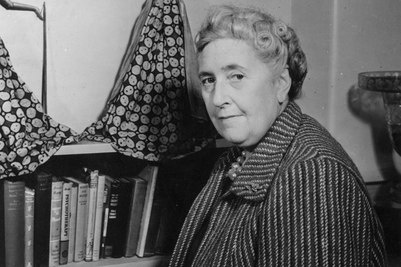 Agatha Christie: biographie de la romancière, mère d'Hercule Poirot