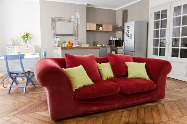 un salon accueillant. Black Bedroom Furniture Sets. Home Design Ideas