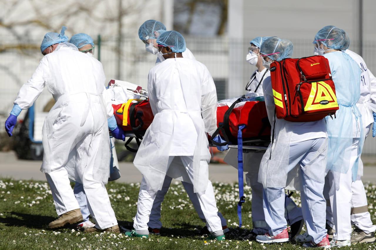 DIRECT. Coronavirus en France: ce que l'on sait du décès de la jeune de 16ans. La vague arrive