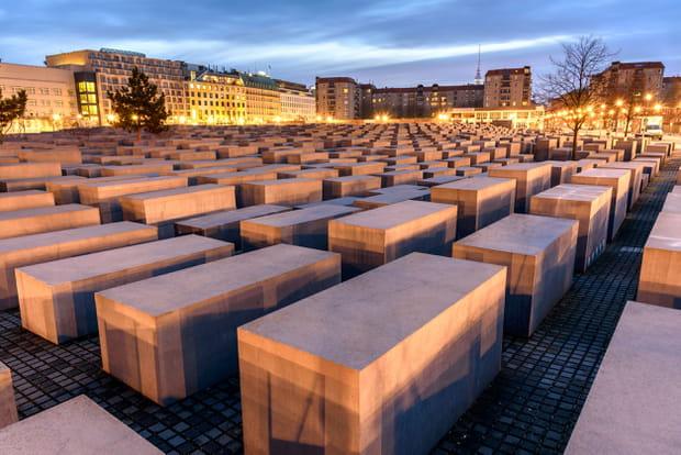 Visiter le Mémorial de l'Holocauste