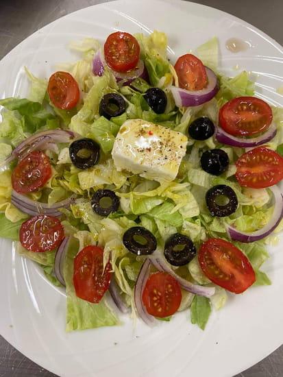 Entrée : Les Saisons de Sergio et Mairy  - salade grecque -   © Entrée