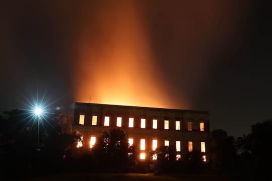 Rio de Janeiro: les images impressionnantes de l'incendie du Musée national