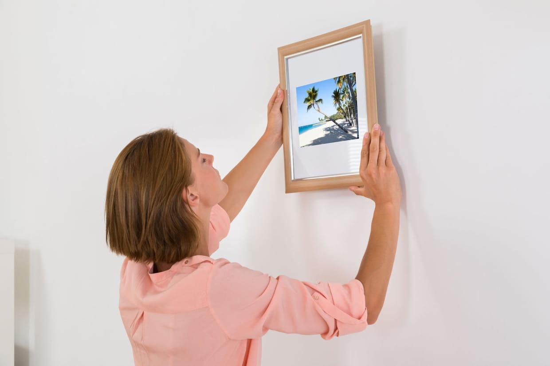 Attache Tableau Sans Percer fixer un tableau sans percer le mur : mode d'emploi