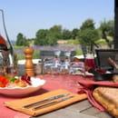 Le Bistrot et son Jardin dans les Vignes  - La Coquillade Le Bistrot Luberon Provence -   © Brice Toul
