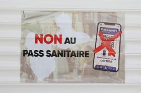 Pass sanitaire: prolongé ou pas? Ce qui se dit à l'Assemblée