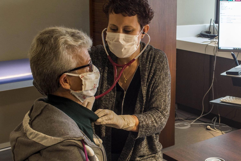 Symptômes Covid: rhume, grippe, comment différencier les signes?