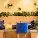Restaurant : Casa Leya  - Banquettes à l'étage -   © Casa Leya