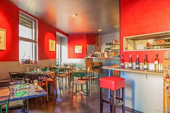 Restaurant sur la Place  - Intérieur -   © Yorik Canet