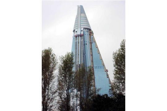 Et aussi... Ryugyong Hotel à Pyongyang