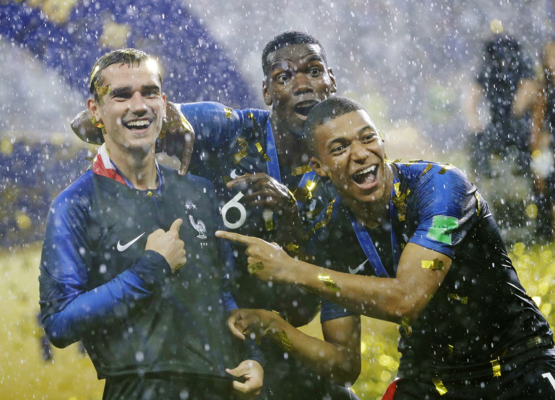 Maillot équipe De France Ruée Sur Le Maillot Deux étoiles