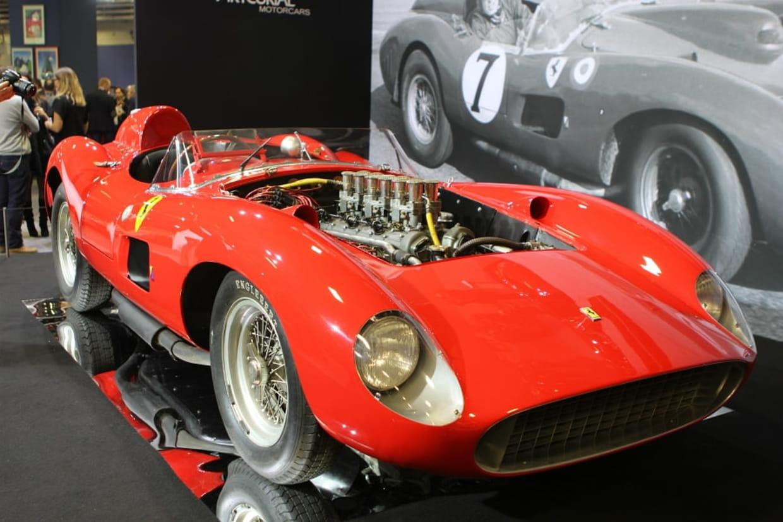 Ferrari à 32 millions lionel messi serait lacheteur anonyme cristiano ronaldo battu