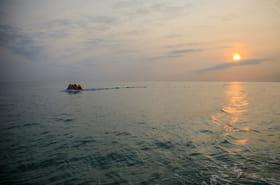 """""""Dieu, l'eau et nous"""": quand des migrants traversent la Manche"""
