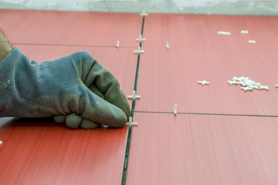 Réaliser le joint d'un carrelage de sol
