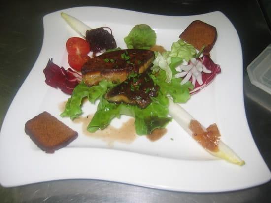 Auberge de Quilinen  - Foie gras de canard poêlé -   © Véronique