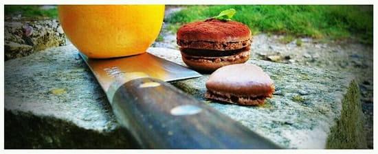 Auberge du lavoir  - Macaron café-choco -   © Joux Nicolas