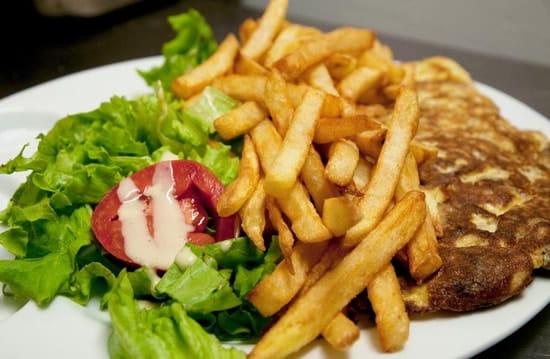 Le Cardinal Saint-Germain  - Omelette frites/salades -   © Le Cardinal Saint-Germain, Droits réservés.